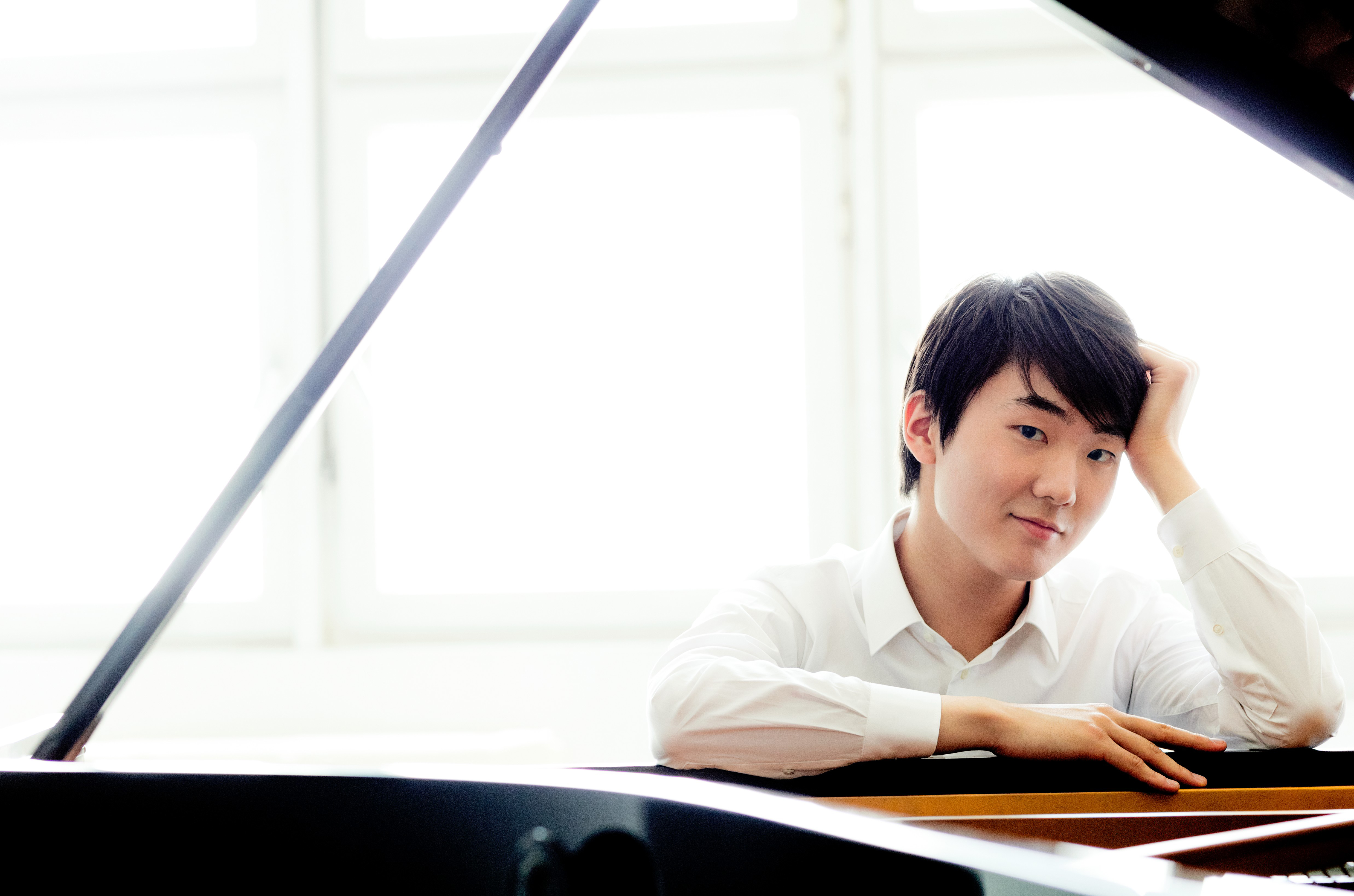 New Jersey Symphony Orchestra: Seong-Jin Cho Plays Chopin